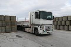 forgalomterelő-betonelem-szállítás