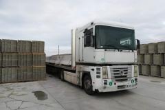 forgalomterelő-betonelem-szállítás_1