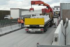 forgalomterelő-betonelem-szállítás_9