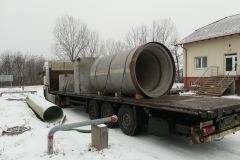 vasbeton-csövek-szállítása_10